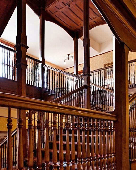 New York Lodge